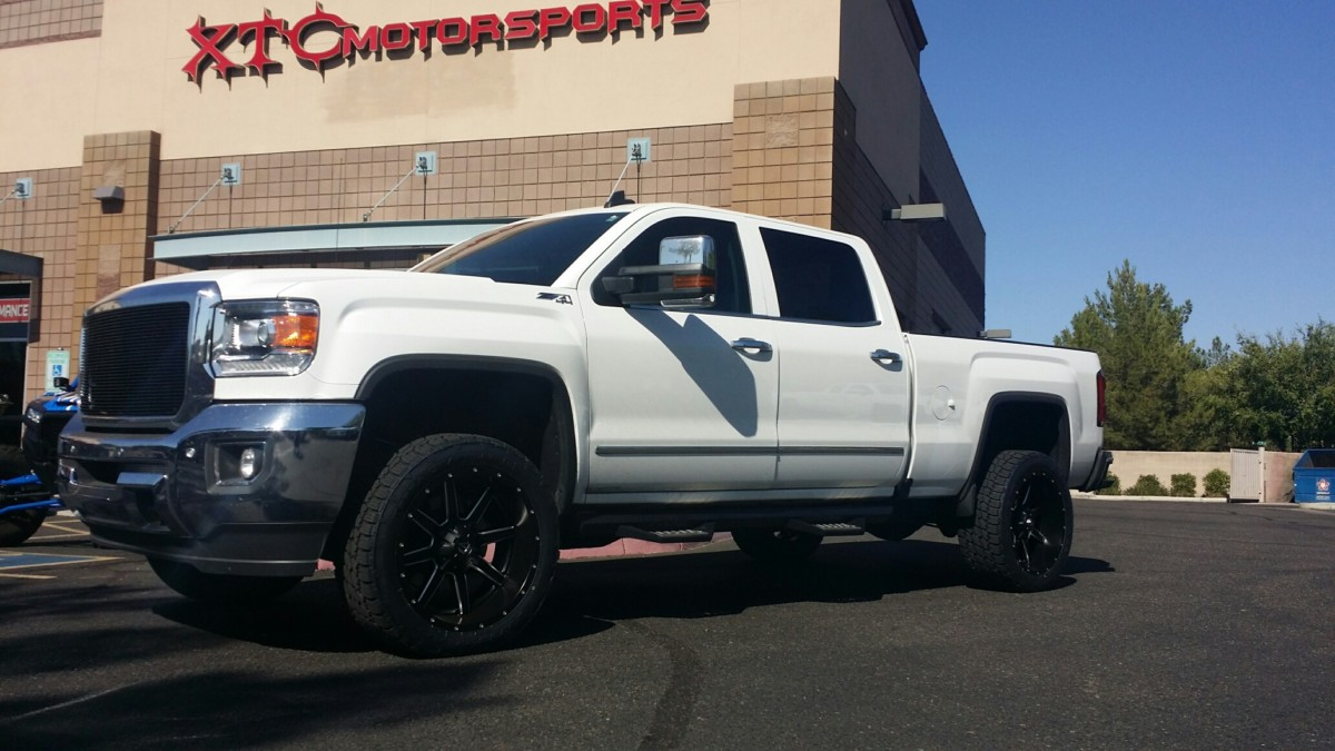 Brian brought in his 2016 GMC Sierra 2500HD 4WD for some Cognito Motorsports, Inc upper control arms, FOX2.0 Performance Series shocks, & some 305/45R22 Nitto Tire Terra Grappler G2 tires on some Fuel Offroad 22x10 D538 Maverick wheels.
