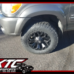 Simple yet sexy! Benny brought in his 2006 Toyota USA Tundra for a ReadyLift Suspension Inc. 2.5
